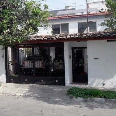Casa En Venta En Arboledas 1a Secc