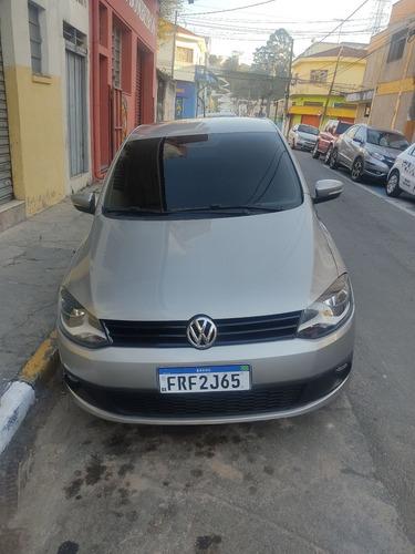 Imagem 1 de 15 de Volkswagen Fox 2014 1.6 Vht Total Flex 5p