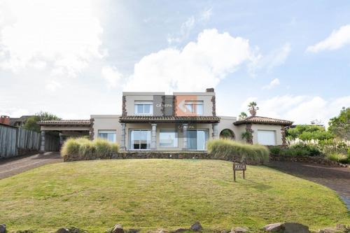 Espectacular Casa En El Chorro A Dos Cuadras Del Mar- Ref: 240