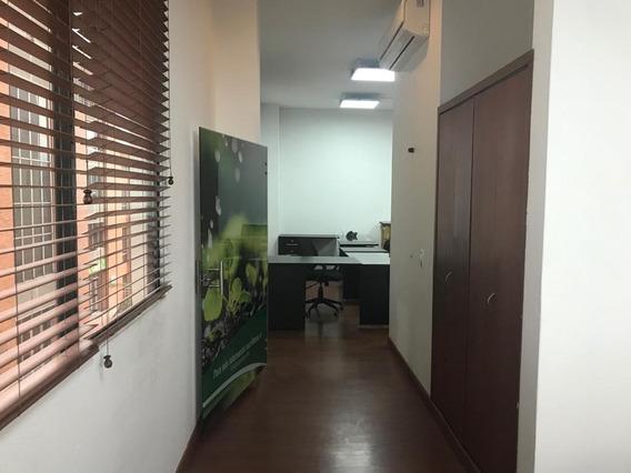 Arriendo Oficina Avenida Bolivar - 80 M2