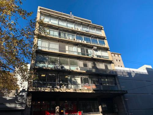 Venta De Apartamento Exclusivo Uso Profesional 70m2