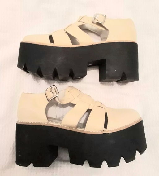 Zapato Stillettos Nazaria N 38 Cuero Color Crema Y Negro