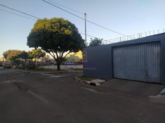 Casa Para Venda Em Ra Xiv São Sebastião, Residencial Oeste, 2 Dormitórios, 1 Banheiro, 3 Vagas - M0314_1-1529299