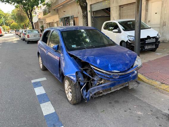 Toyota Chocado Baja Etios Xls Con 04 Baja Con Alta Motor