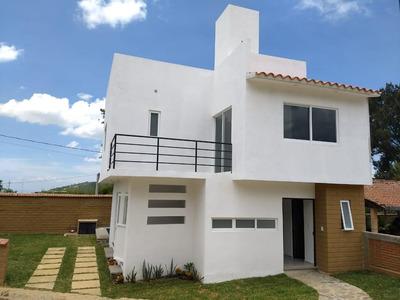 Excelente Casa Nueva, Vista Panorámica.