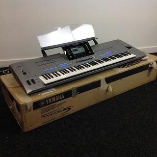 Yamaha Tyros 5 76 Key Keyboard