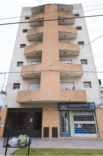 Imagen 1 de 17 de Departamento Venta Al Frente 2 Dormitorios Y Cochera Cubierta -53 Mts 2 Totales - La Plata