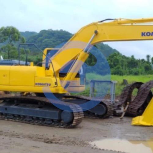 Imagem 1 de 8 de Escavadeira Komatsu Pc240-8