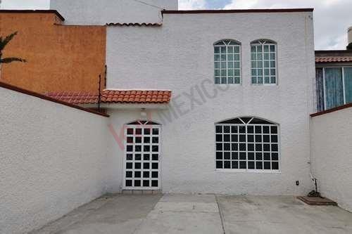 Casa En Venta Toluca, Cacalomacan.