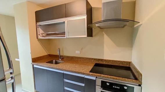 Apartamento En Alquiler. Avenida Ferrero Tamayo