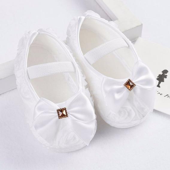 Sapato De Bebê- Branco- Tamanho 16 - De 0 À 6 Meses(11cm)