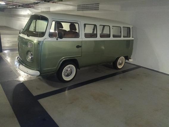 Volkswagen Kombi Luxo
