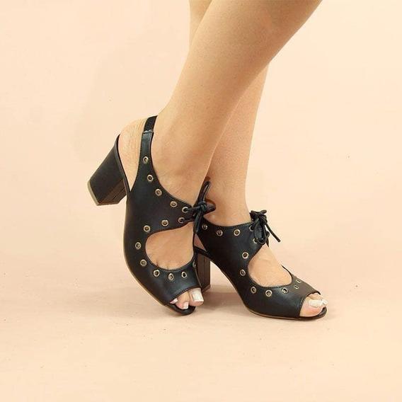 Sandália Preta Com Ilhos Mulher De Luxo N34