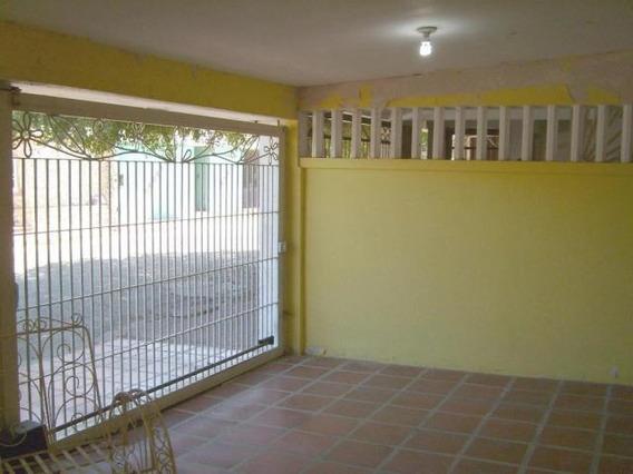 Casa En Venta , Codigo Mls #19-18073