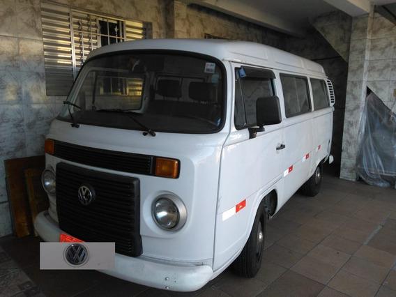 Volkswagen Kombi 1.4 Escolar Total Flex 3p 12 Lugares