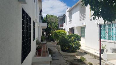 Casa De Tres Alcobas En Zona Residencial
