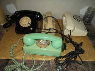 Lote C/4 Telefones Antigo Gancho /decoraçao /revisao/s/teste