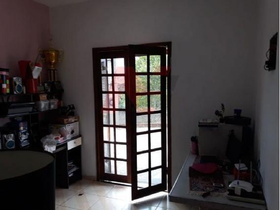 06400 - Sobrado 2 Dorms. (1 Suíte), São Roque - São Roque/sp - 6400