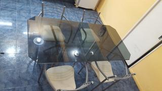 Mesa De Caño Y Vidrio Con 4 Sillas. Muy Buen Estado!!!!