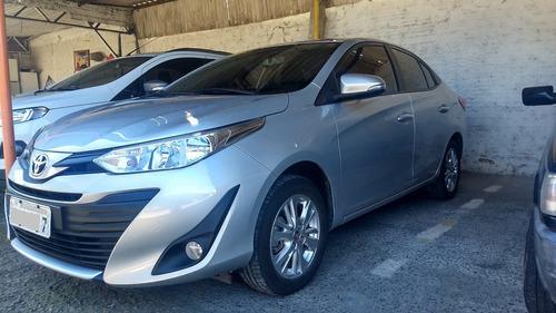 Toyota Yaris Sedan 2019 Cvt Prata Automático Luxo Economia