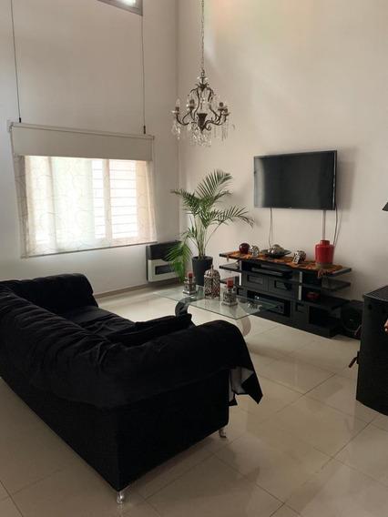 Impoertante Chalet En Quilmes Residencial