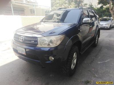 Toyota Fortuner Sr 7ptos 4x4