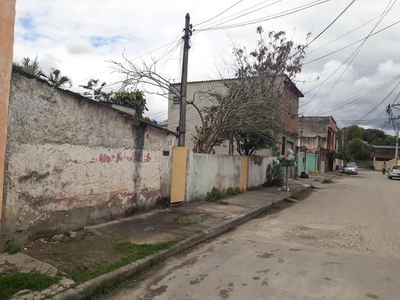 Lote Com Cinco Casas