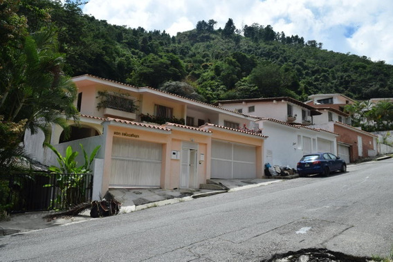 Casa En Prados De Este Ha Mls #19-702