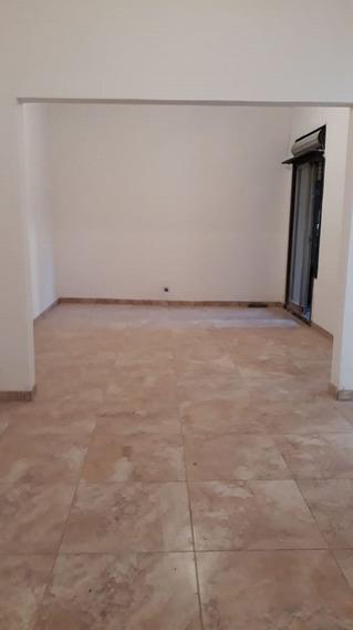 Casa 5 Amb C/patio - Lav - Lote Propio 8,66 X 10,00 - Dueño
