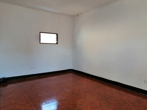 Apartamento En Arriendo Manrique Central 948-223