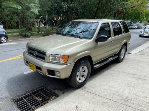 Nissan Pathfinder Mt 4x4