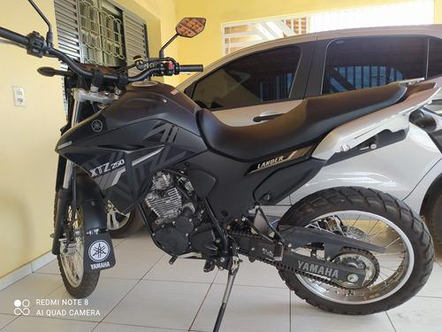 Imagem 1 de 3 de Yamaha Lander 250