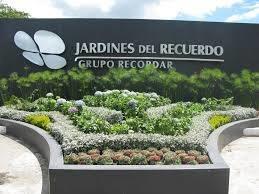 Parcela Triple En Jardines Del Recuerdo Con Servicios