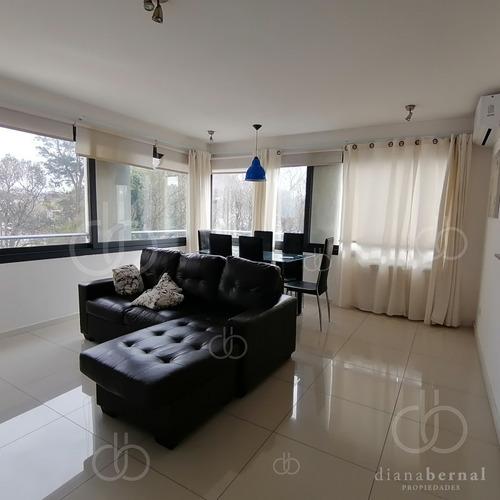 Apartamento De 2 Dormitorios En Maldonado- Ref: 54481