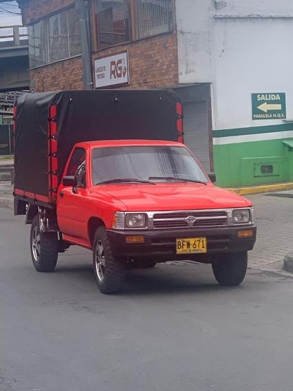 Venta De Toyota Hilux Estacas Con Carpa Modelo 95