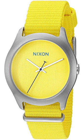 Relógio Nixon Feminino Com Pulseiras De Nylon Coloridas