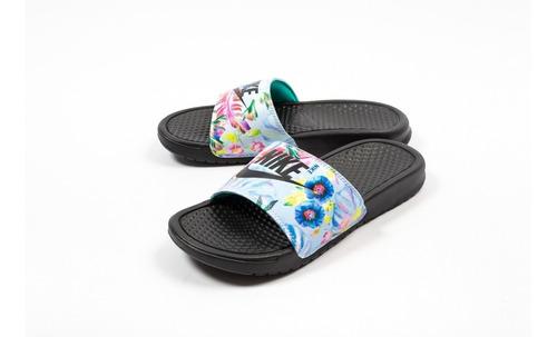 Nike Benassi Jdi Mujer Floreadas - Negro Celeste