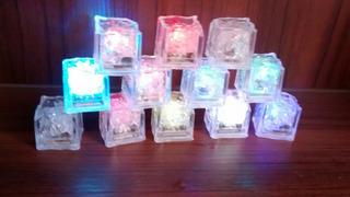 Gelo Artificial Led Pisca Colorido 70cubos + 30 Gravatas