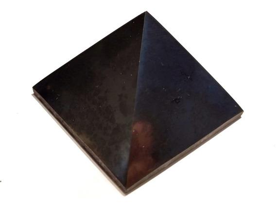 Shungite Pirámide 5x5cms