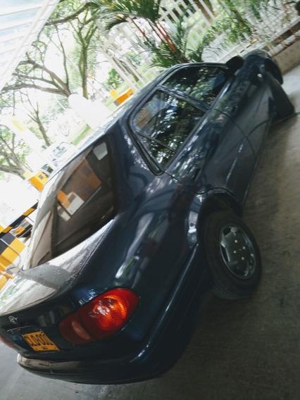 Toyota Corolla Año 2.003 4 Puertas Sedan, Importado 2003
