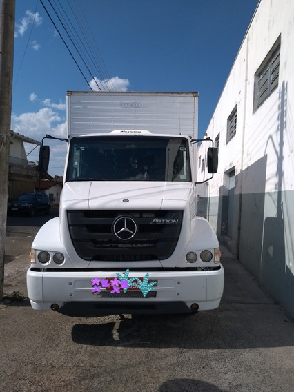 Mercedes-benz 1319