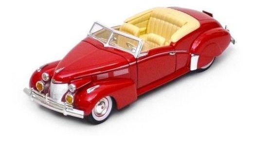 1940 Cadillac Series 62 - Escala 1:32 - Signature Models