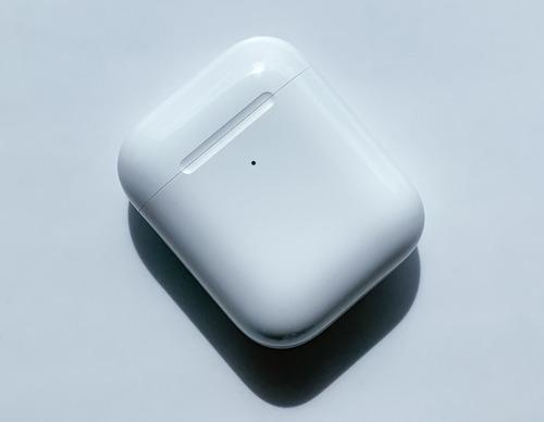 AirPods 2da Gen Apple Original Carga Inalámbrica / Usado
