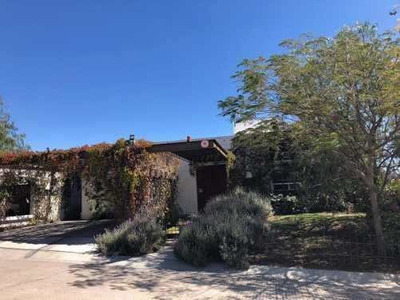 Preciosa Residencia En Real De Juriquilla, Jardín Y Alberca Privada, 3 Recámaras