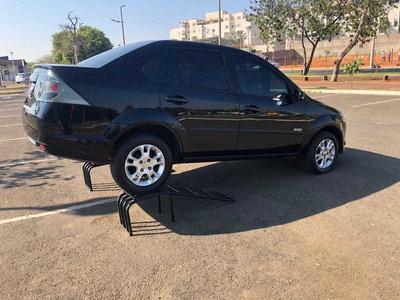 Ford Fiesta 1.6 Se Sedan 8v Flex 4p Manual 2013