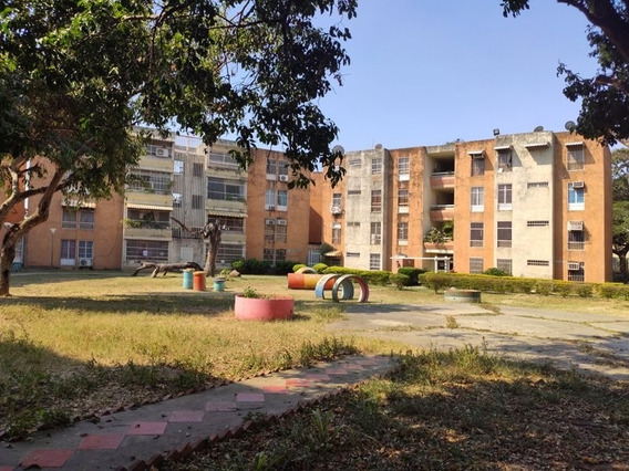 416908 Amplio Apartamento En Conjunto Residencial La Fuente