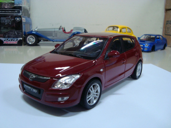 Miniatura Hyundai I30 1/24 Welly Vinho #avl389 Defeito
