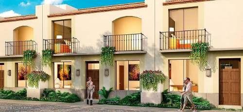 Casa En Venta En Zirandaro, San Miguel Allende, Rah-mx-19-394