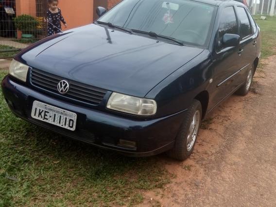Volkswagen Polo 1.8 Sedã