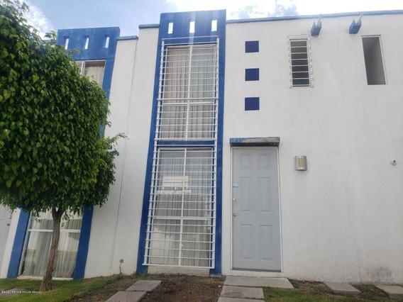 Casa En Venta En El Pueblito, Corregidora, Rah-mx-21-195